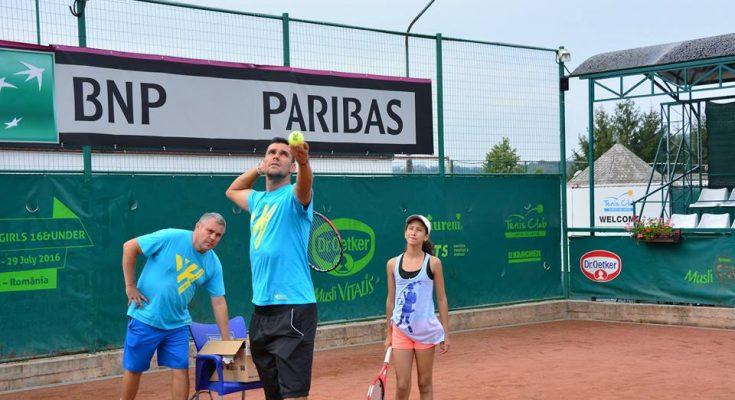 """Servă din terenul """"Train Like a Pro"""" către trofeul """"Victor Hănescu"""" la"""