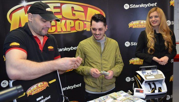 Megajackpot - Un român s-a îmbogățit peste noapte cu peste 70 mii de euro