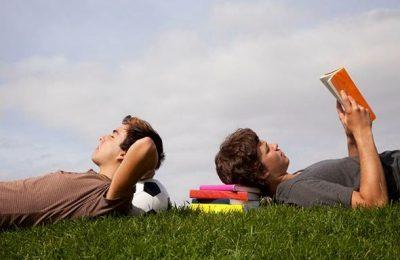 STUDIU: Speranța de viață poate crește prin lectură