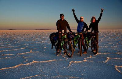 """Marea de sare, sau Salar de Uyuni, este cel mai mare lac de sare din lume şi totodată locul de start al expediţiei noastre pe """"Drumeţul"""" de la Pegas"""