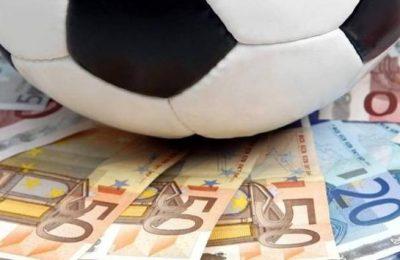 Trei sferturi dintre fotbaliştii români nu îşi primesc salariile la timp