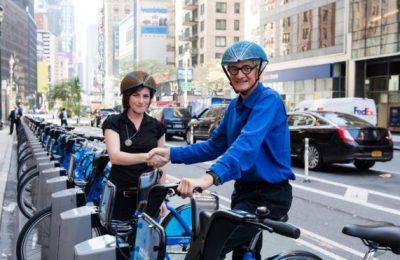 Casca de bicicletă ecologică EcoHelemet, câștigătoare a James Dyson Award