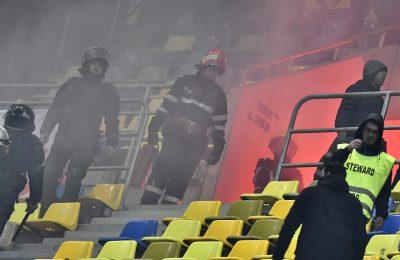 FRF cere despăgubiri fanilor care au provocat incidente la meciul România - Polonia