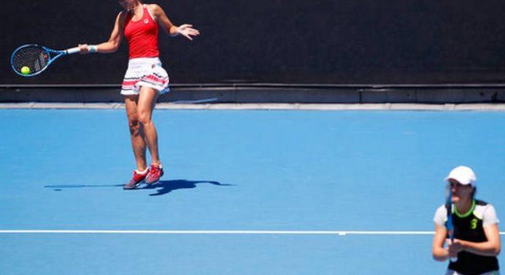 Perechea Begu/ Niculescu, învinsă în semifinalele AusOpen