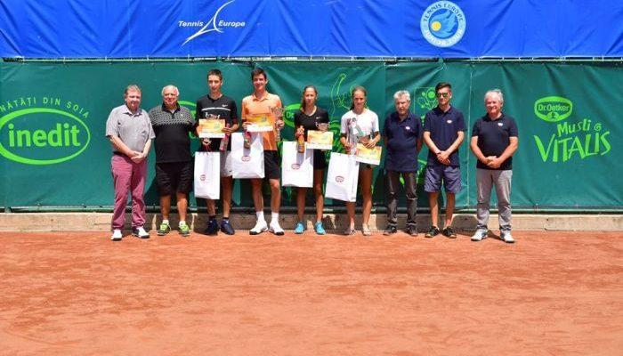 Peste 70 de jucatori din 10 tari participa la cea de-a VI-a editie a Arges Cup Dr. Oetker